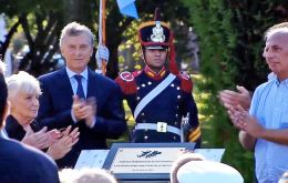 At 09:00 President Macri will unveil at the Olivos residence a plaque to honor the 649 Argentines combatants who lost their lives in the conflict
