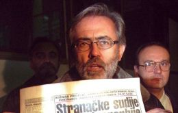 Slavko Curuvija, an outspoken critic of the late Serbian leader Slobodan Milosevic, was gunned down outside his apartment