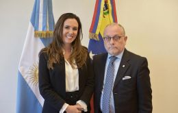 Diplomatic credentials were delivered by the Argentine Foreign Ministry to Elisa Trotta Gamus, who will represent Venezuelan opposition leader Juan Guaido