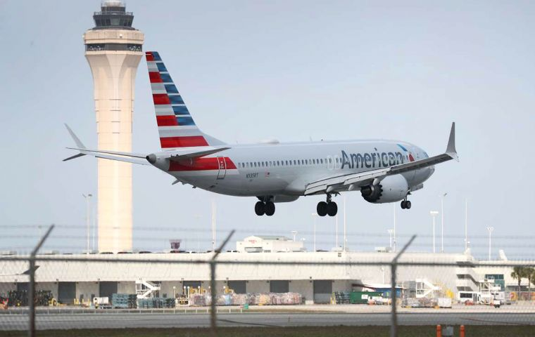 "AA senior officials said they were ""confident"" that the Boeing upgrade would be approved by US aviation regulators before 19 August"