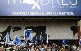 The official needed a police escort after the Mothers of the Plaza de Mayo group and its supporters blocked access to its offices in Buenos Aires.