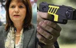 Security Minister Patricia Bullrich said the new tools would give officers &#147;an additional tactical option in lieu of firearms&#148;.<br />