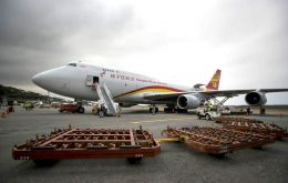 A Boeing 747 with 71 tons of medicines and surgical material arrived in Caracas with supplies for pregnant women and drugs to treat respiratory conditions