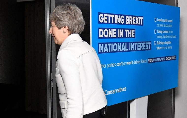 Brexit talks between May's Conservative Party and Labour collapsed hours after May agreed on Thursday to set out in early June a timetable for her departure