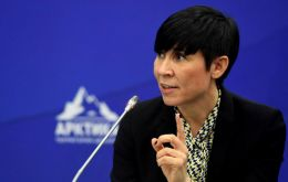 """We want to reiterate our commitment to [...] chasing a solution between both parties in Venezuela,"" the Norway's Foreign Minister Ine Eriksen Søreide said."