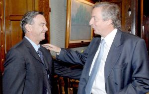 As head of the Peronist block in the Senate he supported Néstor Kirchner