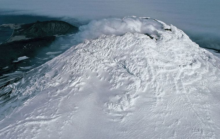 An aerial photo of the Mount Michael volcano. (Pete Bucktrout, British Antarctic Survey)