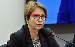 According to Agriculture Minister Tereza Cristina Dias, the shipments totaled 1,400 tons of poultry,