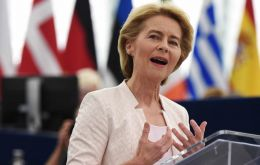Ursula von der Leyen said the European Union would first wait for a new British prime minister to be chosen and then seek talks.