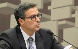 In a presentation to lawmakers, Campos Neto warned, that risk premia and inflation could rise if the government's economic reform process is derailed.