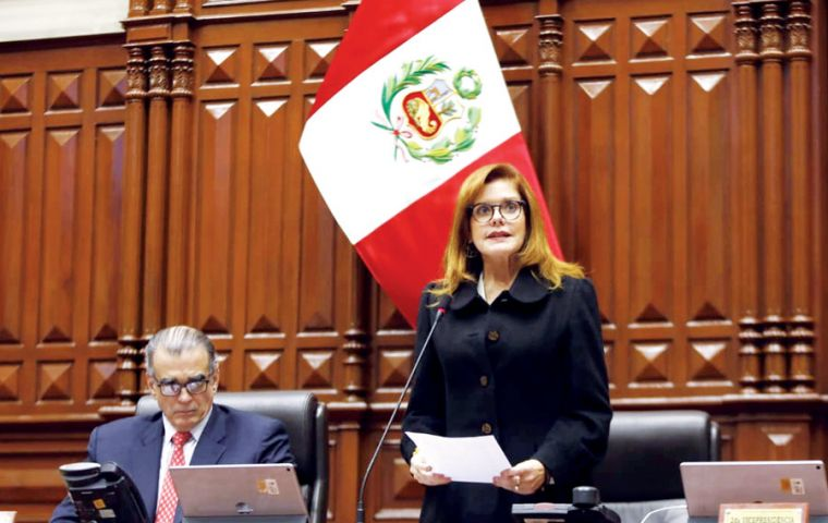 "Vice-president and interim president Mercedes Aráoz said the ""constitutional order had broken"" and that the country faced a ""grave institutional crisis""."