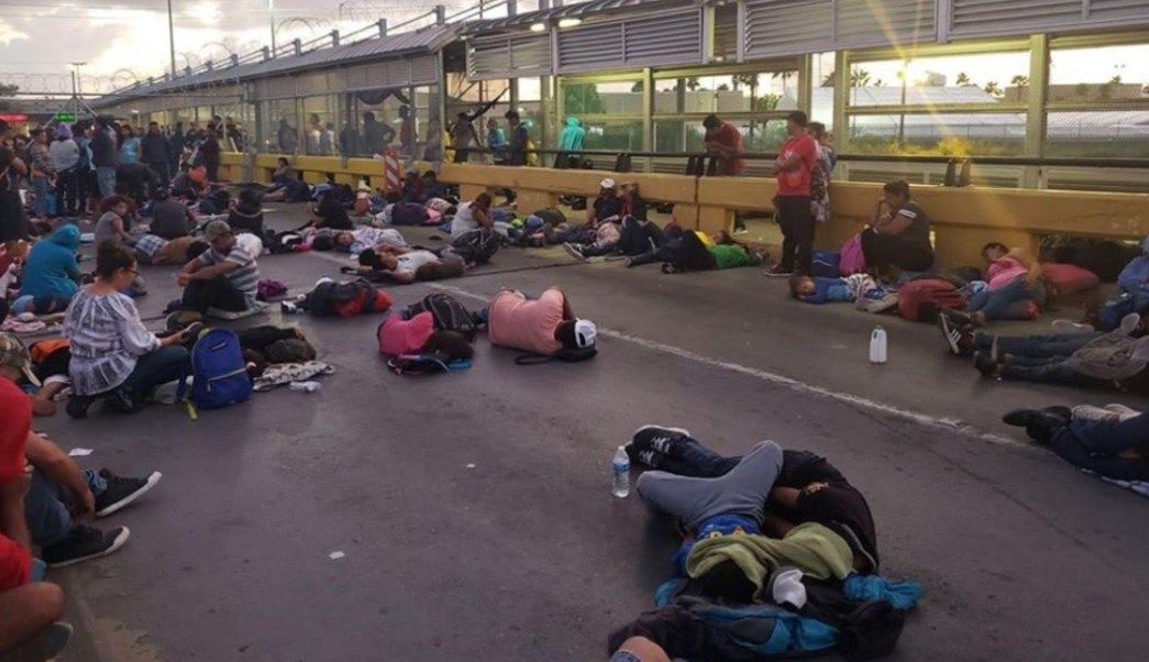 Asylum seeking migrants occupy bridge linking Matamoros ... |Matamoros Mexico Murders