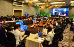 Finance ministers and representatives of the APEC forum met in Santiago on Tuesday and discussed the possibility of a full trade deal being signed next month.