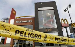 Two workers, an 18-year-old man and a woman, died on Dec 15 while cleaning the kitchen of a McDonald's in Pueblo Libre, in the Lima province.
