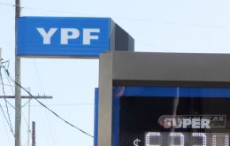 "Fernandez suggested to YPF CEO Guillermo Nielsen the ""inconvenience"" of advancing with fuel increases, particularly with annual inflation running at 55%"