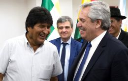 Morales said that Bolivians had the right to organize and defend themselves, without firearms, from what he said were attacks by Bolivia's interim government