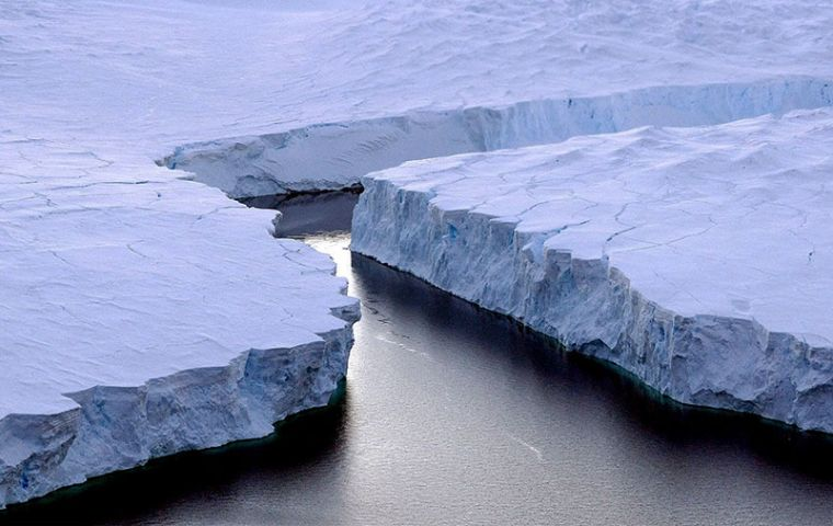 The effects of global warming have already seen ocean levels rise due to melting ice caps