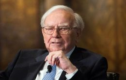 """When seeking directors, CEOs don't look for pit bulls,"" Buffett wrote. ""It's the cocker spaniel that gets taken home."""