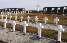 The EAAF team was involved in the identification of Argentine soldiers remains buried in the Falkland Islands