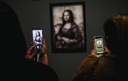 "The ""Mona Lisa"", the most famous of the Tuscan's paintings, was conspicuously absent from the show, as organisers feared crowd-control problems."
