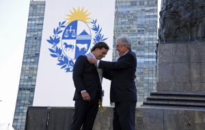 Outgoing president Vazquez receives Lacalle Pou