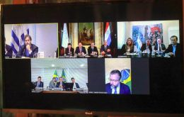 The video conference from Paraguay included presidents, Mario Abdo Benitez,  Luis Lacalle Pou, Jair Bolsonaro and Argentine foreign minister Felipe Solá. Pic: Presidency of Paraguay