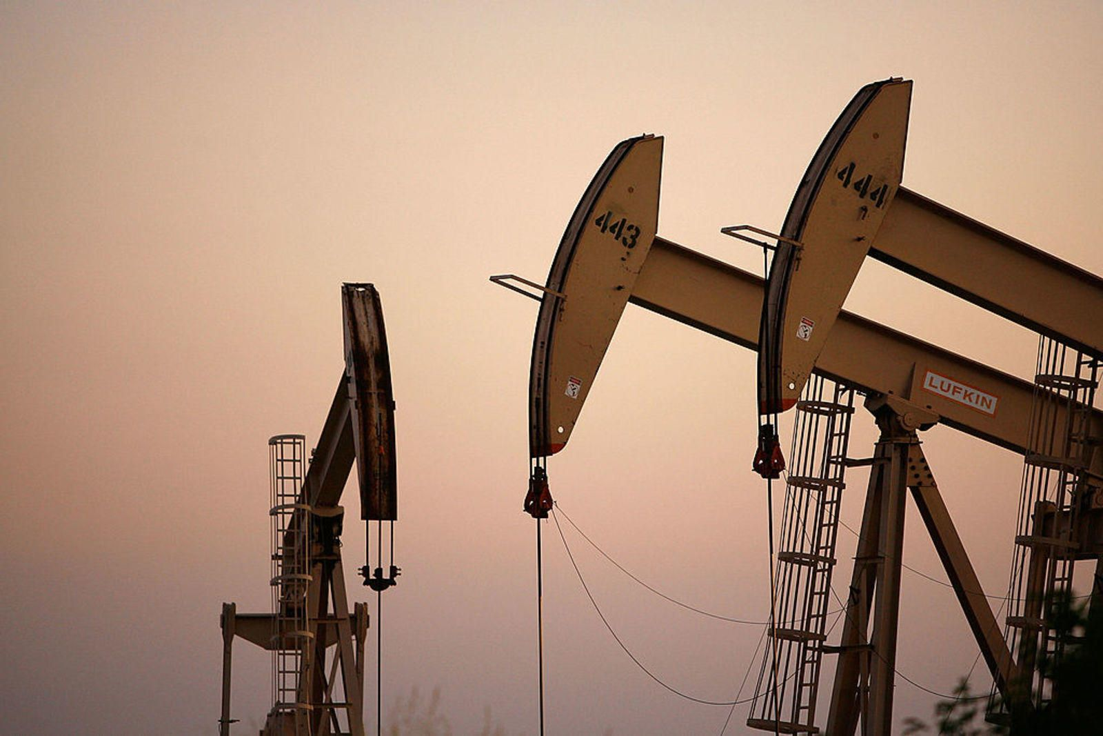 Oil and gas names off worst lows despite plunging crude prices
