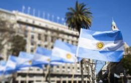 Argentina is starting a virtual road show this week to present its offer, which aims to renegotiate US$ 72 billion of sovereign and provincial debt