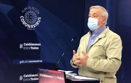 """If we do not win the battle in Santiago, we can lose the war against the coronavirus,"" warned Health Minister Jaime Manalich."