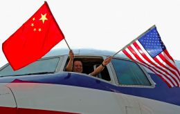 The US Transportation Department, which is trying to persuade China to allow the resumption of US passenger airline service there, earlier this week briefly delayed a few Chinese charter flights