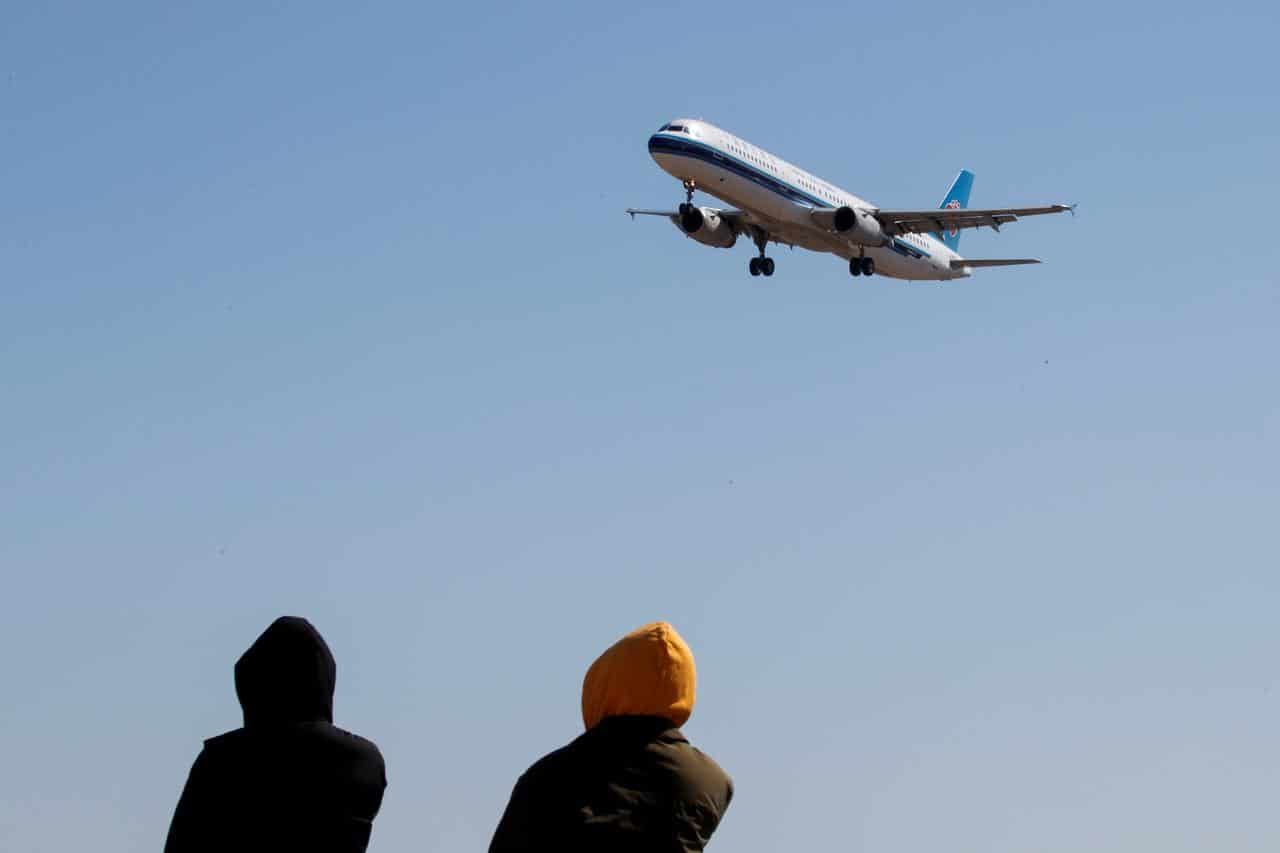 China allows return of foreign airlines after U.S. escalation