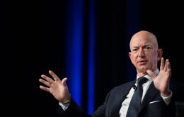 During the 11 weeks from Mar 18, when US lockdowns started, the wealth of America's richest people surged by more than US$565 billion. Jeff Bezos is one of them.
