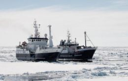 Sanford's San Aspiring and Aotea II in Antarctic waters fishing for toothfish
