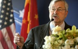 Terry Branstad as reported to have a long-standing relationship with Chinese President Xi Jinping, whom he first met in the 1980s.