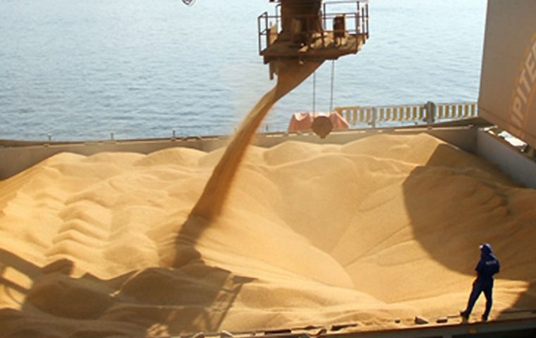 Soybean exports reached US$ 2.21 billion (+ 25.1%), of which China purchased close to 75%, valued at US$ 1.65 billion.