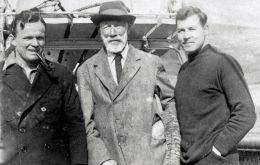 Arthur Felton (centre) with W A Ellision RNR (left) - Chief Officer of the RRS William Scoresby - and E R Gunther (right) - photographed in March 1932 by Carl Skottsberg
