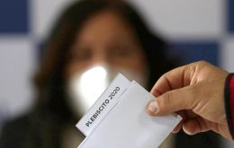 On Oct. 25, Chile will hold a referendum that asks voters two questions: Should Chile convene a constitutional convention to write a brand-new constitution?