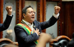 In his speech, Arce also criticized the interim government of Jeanine Anez, which he accused of trampling on democracy and even causing deaths in the country.