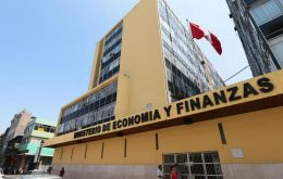 The ultra-long bond was placed at a coupon rate of 3.23%, José Olivares, director-general of the Public Treasury of Peru´s Economy ministry announced