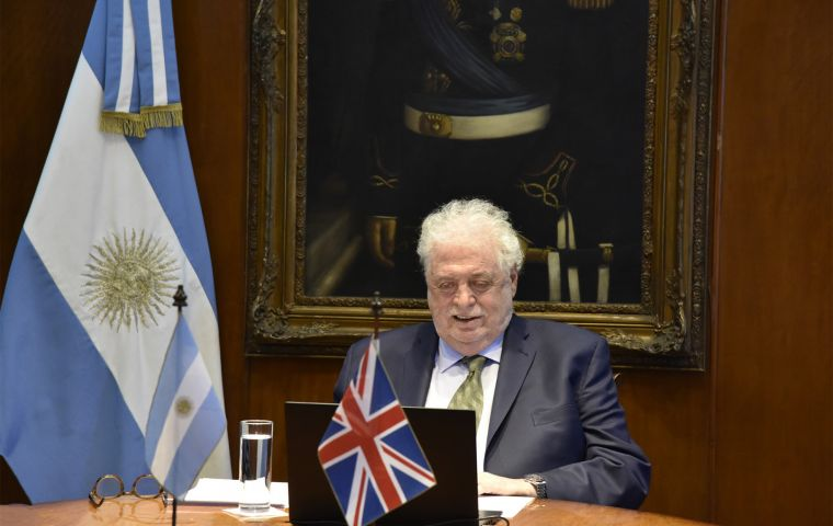 Argentina's Health Minister, Ginés González García and UK's Minister of State for the Americas, Wendy Morton MP opened the virtual seminar