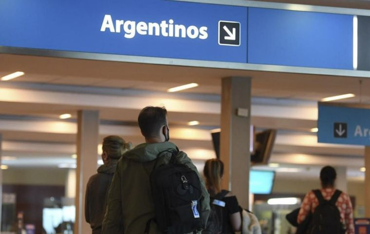 The new variant was detected in a traveler who arrived asymptomatic in Argentina from Germany at the end of December 2020,