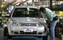 The auto industry, which ground to a near-total halt in March, ended the year with an output contraction of 28.1%