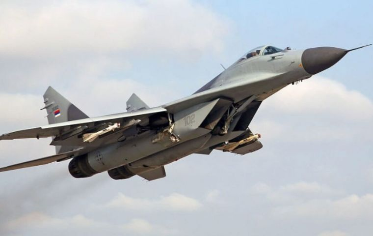 In previous negotiations, the air force had requested a batch of 15 MIG-29 fighters and another of Su-30 fighters with 12 units
