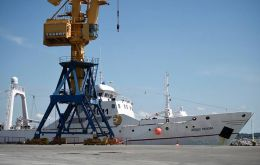 The trawler Argos Pereira left Canary Islands, having complied with all the protocol testing.