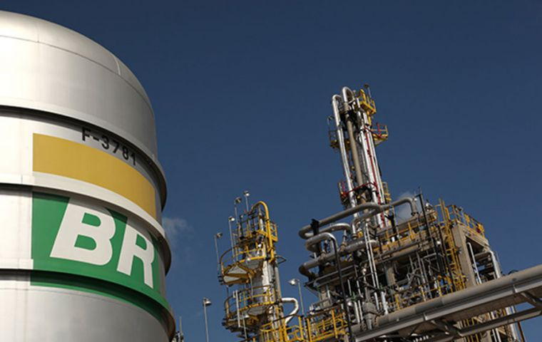 In only a few hours, Petrobras lost more than 74.2 billion reais (US$ 13.6 billion) in market value
