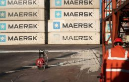 The Danish company wants to make the handling of a container as easy as sending a letter by mail or buying food. Photo: Reuters