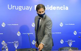 President Luis Lacalle Pou called this Tuesday to an extraordinary meeting of the Council of Ministers to evaluate new measures to stop the exponential growth of coronavirus cases