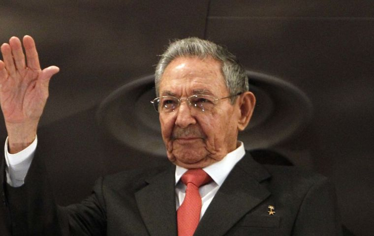 Raúl Castro admits changes are needed but wants to defend socialism nonetheless