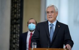 The opposition weighs impeaching Piñera and his own lawmakers vote against him on the Senate