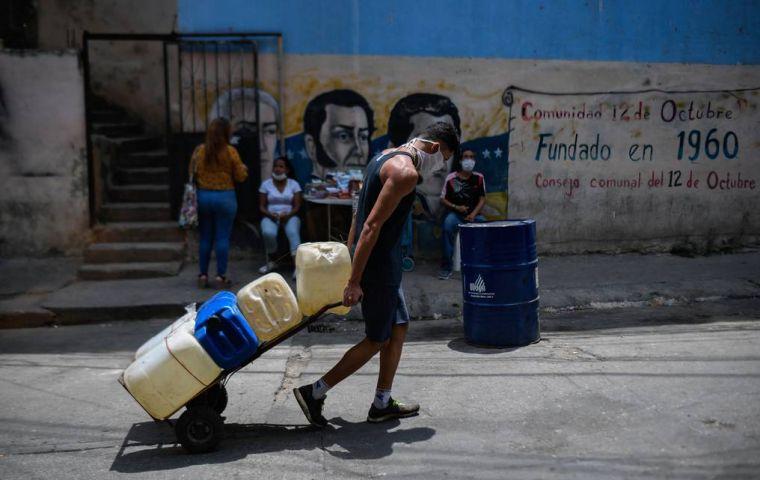 El índice de miseria es un indicador económico creado por el economista Arthur Okun.